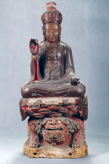 Xem cổ vật sơn son thếp vàng trăm tuổi